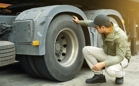 Most HGV drivers in UK fail to complete walkaround checks