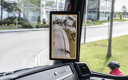MAN - optional mirror replacement system with A-pillar mounted screen (1)