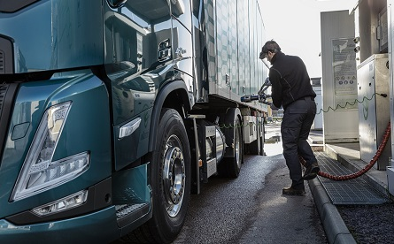 Volvo Trucks sees increased interest in gas as an alternative to diesel for HGVs